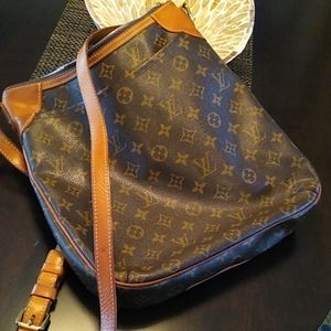 Louis Vuitton Crossbody Travel/Day Bag